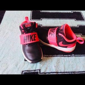 Nike Hustle Toddler US 12